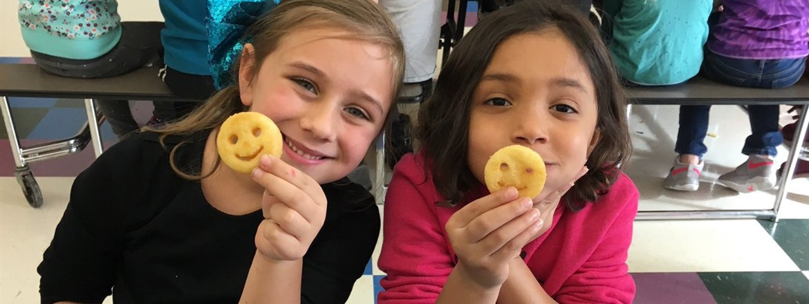 Our kiddos love when the cafeteria serves smiley potatoes!! #everykid #connect