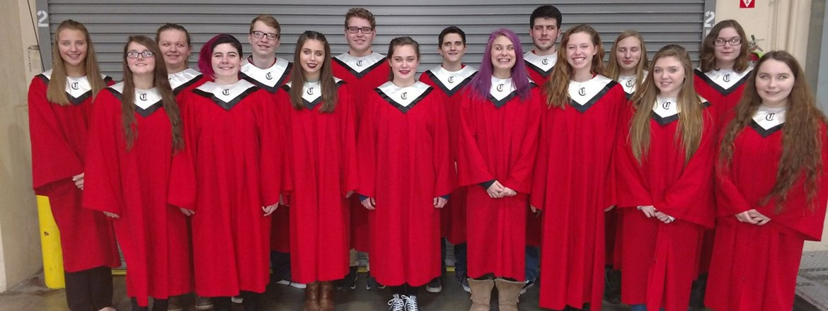 Crestwood Choir Performs at the Monsters Game